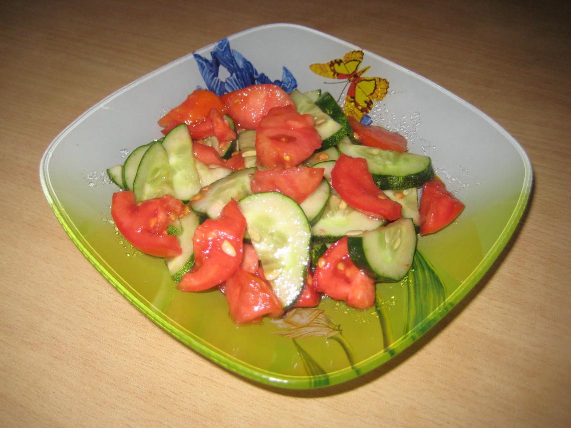 здесь картинка салата из помидоров и огурцов с майонезом солнечной системе