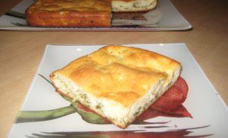 Рецепт пирога на кефире с брынзой и зеленью