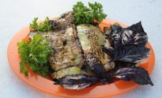 Кабачки, жареные на мангале