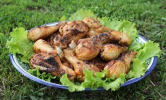 Куриная голень в остром маринаде на мангале