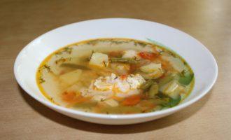 Суп с куриным филе и зеленой фасолью