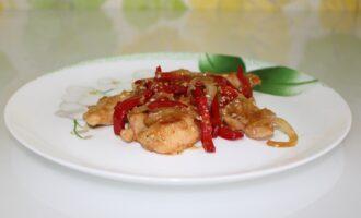 Куриное филе в соусе терияки с болгарским перцем