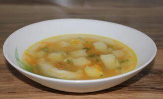 Суп из чечевицы, курицы и картофеля
