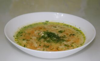 Суп с яйцом на курином бульоне
