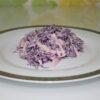 Салат из краснокочанной капусты с яблоком и луком